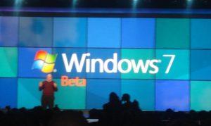 Steven Ballmer, CEO de Microsoft presenta la primera beta de Windows 7 En CES 2009
